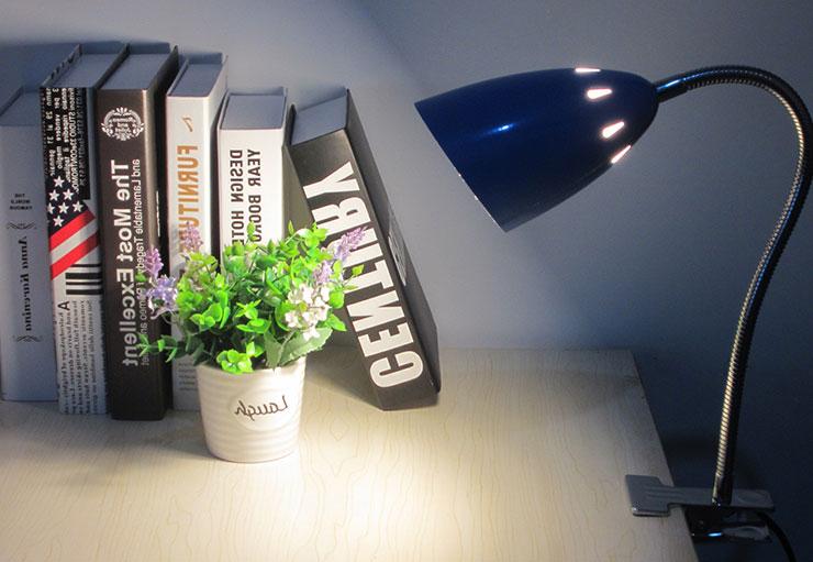 Favorlamp-Den-hoc-kep-ban-hoc-sinh9 Đèn kẹp bàn học sinh đơn giản