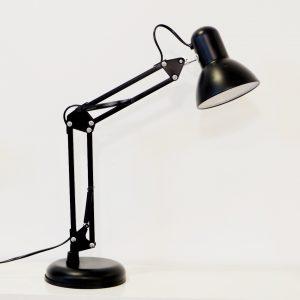 Favorlamp-Den-Luxo-de-ban11-300x300 Đèn làm việc- Một vật dụng không thể thiếu trong không gian văn phòng