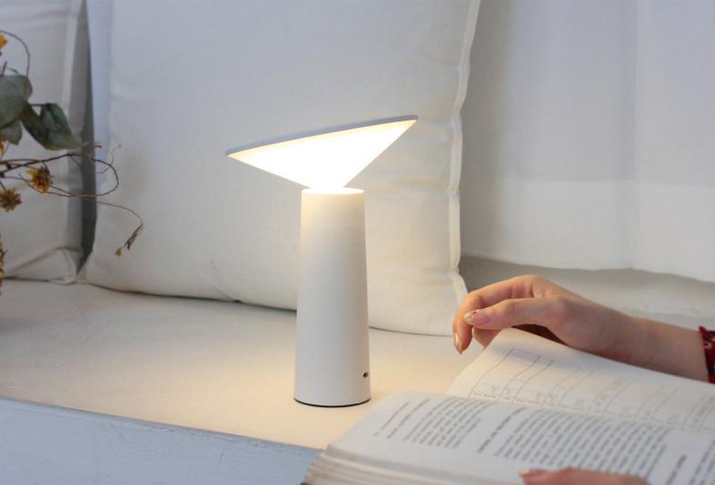 Den-ban-ngu-nam-XiaoI8 Đèn bàn ngủ tích hợp pin sạc Mini I LED