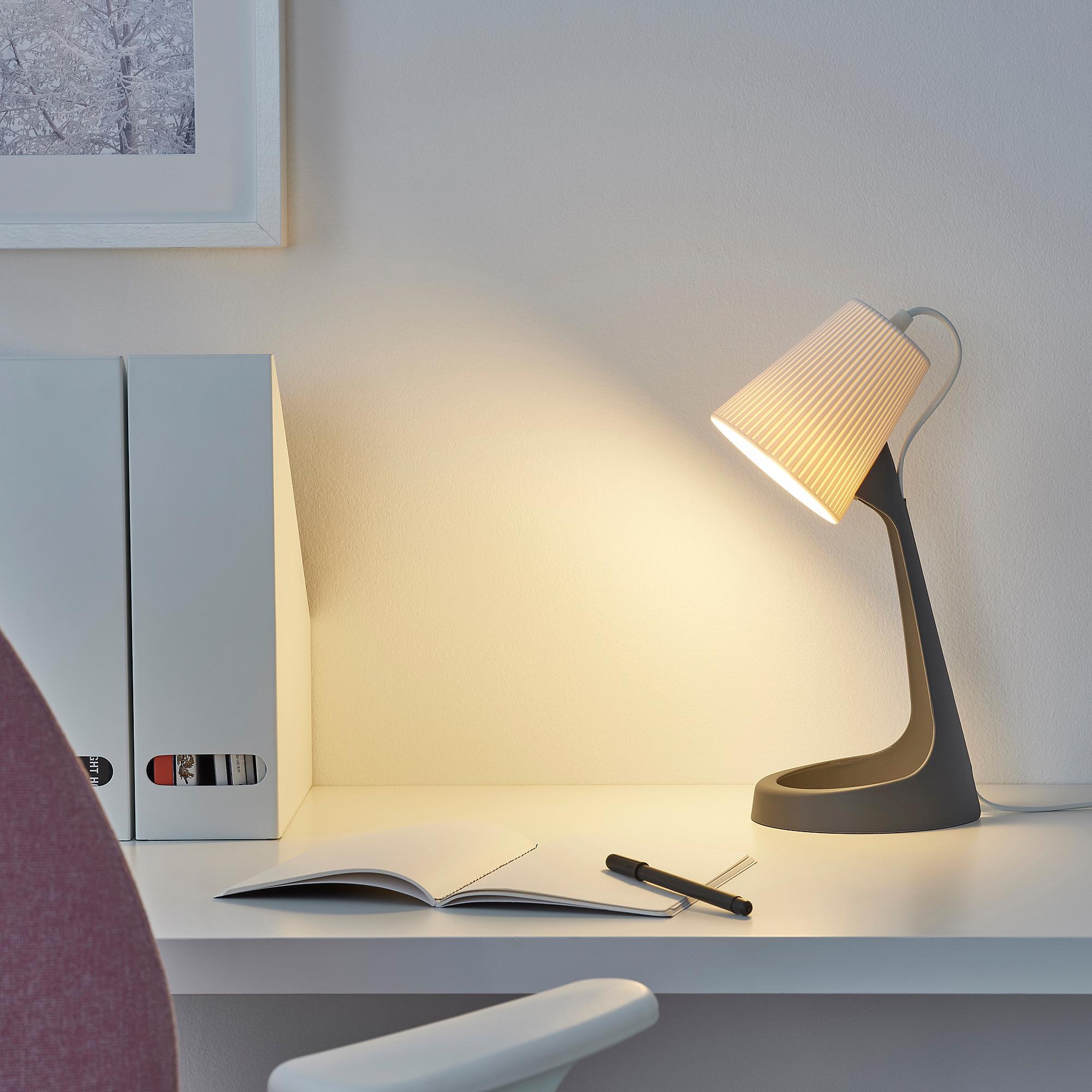 Den-ban-Ikea-Svallet-3 Đèn bàn Svallet